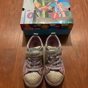 5/20 Sketchers twinkle toes big girl sneakers 2.5